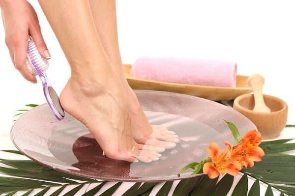 Cómo cuidar las uñas de los pies