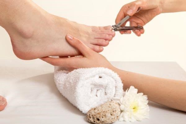 Cortar uñas de pies