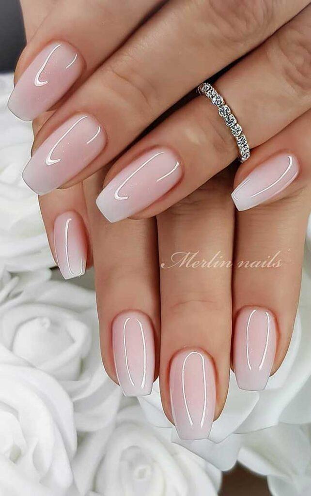 diseños de uñas cortas fuente instagram merlin_nails