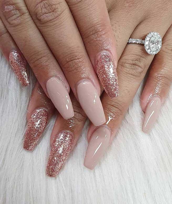 diseños de uñas rojas fuente instagram nailsbyelectra