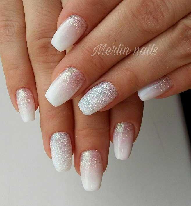 diseños de uñas sencillos fuente instagram merlin_nails