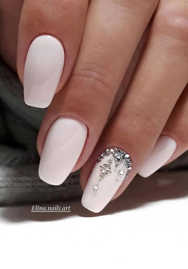 uñas acrilicas diseños 2021 blancas fuente instagram elina.nails.art